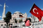 Uni Eropa Sesalkan Keputusan Turki Ubah Hagia Sophia Jadi Masjid