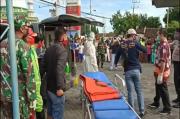 Sopir Mati Mendadak di Depan Truknya, Petugas Evakuasi Pakai APD