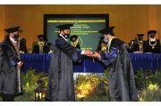 UNY Anugerahkan Gelar Doktor Honoris Causa ke Mendes PDTT