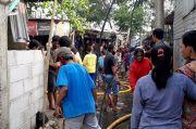 Kebakaran di Pemukiman Padat Penduduk, Puluhan Mobil Damkar Dikerahkan