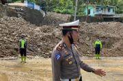 Material Longsor Dibersihkan, Jalan Pematangsiantar-Parapat Bisa Dilintasi