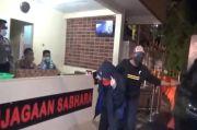 Artis HH dan Teman Pria Dalam Keadaan Tanpa Busana saat Digerebek Polisi