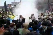 Aksi Ratusan Mahasiswa Tolak Omnibus Law di Tasikmalaya Ricuh