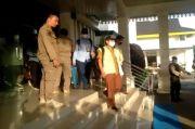 Petugas KPK Geledah Kantor Bupati Labuhanbatu Utara