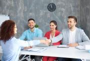 Tips Pelamar Lulusan Baru Menarik Perhatian Tim HRD