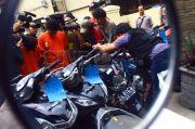 Curi Motor Tetangga, 2 Pemuda di Cengkareng Dibekuk Polisi