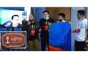 Peduli Pekerja Seni, Hipmi Jabar Borong Lukisan Karya Ridwan Kamil