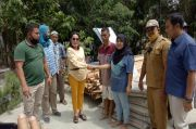 Ketua Komisi I DPRD Pematangsiantar Bantu Korban Banjir