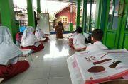 Rindu Tatap Muka, Puluhan Siswa SD di Ciamis Belajar di Masjid