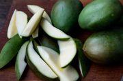 Lima Alasan Mengapa Anda Harus Makan Mangga Mentah