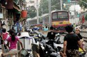 Sektor Riil Terimbas Pandemi, Jumlah Penduduk Miskin Bisa Capai 29,9 Juta