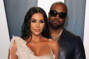 Kim Kardashian Takkan Ceraikan Kanye West dalam Waktu Dekat