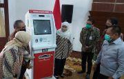 Gubernur Khofifah Serahkan Bantuan Mesin ADM untuk 20 Kabupaten/Kota