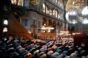 Hagia Sophia Jadi Tempat Salat Jumat, Yunani Berduka