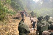 TNI-Polri Kerja Keras Atasi Dampak Banjir di Bolsel dan Bolmong