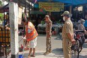 Tak Pakai Masker, 10 Warga Dihukum Bersihkan Area Pasar Warakas Tanjung Priok