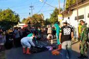Pesepeda Tewas Mendadak di Jalan Dievakuasi Petugas Gunakan APD Lengkap