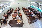 Di Zona Merah Belajar Mengajar Tetap Dilakukan dengan Tatap Muka