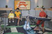 Rintis Karier Bermusik, Tiga Anak Dwi Sasono-Widi Mulia Rilis Single Jajan