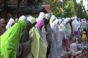 Ratusan Jamaah di Kendari Salat Idul Adha Tanpa Protokol Kesehatan
