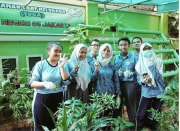 Kreatif! Murid-Murid SMA 65 Jakarta Ternak Lele di Gorong-Gorong, Airnya Pake Sisa Air Wudu