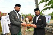 Nurdin Abdullah Serahkan Sapi Kurban Jokowi untuk Warga Jeneponto