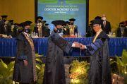 Kepala BKKBN Terima Galar DR (HC) Dari UNY