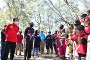 Gubernur Sulsel dan Pj Wali Kota Bawa Bantuan Ke Pulau Terluar