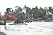 19 Unit Alat Berat Dikerahkan untuk Keruk Sungai Masamba