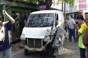 Pecah Ban, 2 Mini Bus Terlibat Kecelakaan 6 Orang Terluka