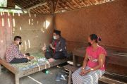 Kisah Guru MTs di Grobogan Rela Naik Turun Bukit Sambangi Rumah Siswa