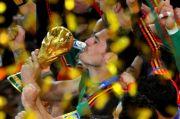 Setelah 21 Tahun Berpetualang, Casillas Putuskan Pensiun