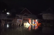 Diterjang Banjir, Rumah Nenek di Wajo Roboh Saat Ditinggal Salat