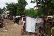 Sejumlah Jalan Inspeksi Kali di Jakarta Barat Terbengkalai