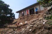 Hujan Deras Saat Kemarau, 1 Rumah di Rembang Rusak Akibat Longsor
