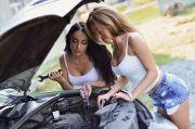 Cara Menjaga Setrum Aki Mobil Tetap Tokcer dan Awet