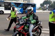 Langgar Lalu Lintas, Polisi Tilang Pengendara di Bundaran HI