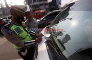 Hari Pertama Ganjil Genap, Satwil Lantas Jakbar Tilang 54 Kendaraan
