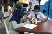 Bantu Pelajar Kurang Mampu, Warga Pondok Kelapa Dirikan Tenda Internet Gratis