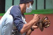 Wisata Bromo Ditutup, Sopir Jeep Wisata Ini Banting Setir Tekuni Kerajinan Batok Kelapa