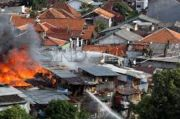 Rumah Terbakar, Ratusan Warga Tambora Mengungsi