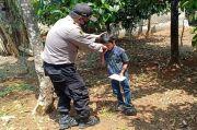 Kisah Gilang, Bocah SD Pemungkut Cengkeh di Kebun Demi Kuota Internet
