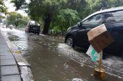 Diguyur Hujan Deras, Lima Jalan Kota Bekasi Diterjang Banjir
