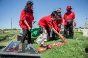 HUT Kemerdekaan RI, PDIP Surabaya Ziarah Pahlawan dan Beri Penghargaan Veteran
