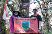 Butuh Waktu 6 Hari, Khansa Syahlaa Berhasil Kibarkan Sang Merah Putih di Puncak Gunung Patah