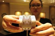 Emak-emak di Jepang hingga Swiss Ternyata Suka Pakai Perhiasan dari Indonesia, Ini Buktinya