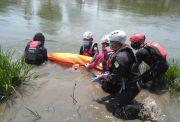 Perempuan Diduga Depresi yang Terjun ke Sungai Citarum Ditemukan Tewas