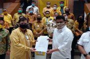 Hujan Warnai Penyerahan Rekomendasi Partai Golkar untuk Bobby Nasution