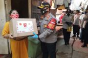 Mabes Polri Salurkan Sembako di Kampung Pemulung Kelapa Gading