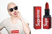 Supreme Pamerkan Lipstik Pertamanya